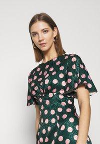 Chi Chi London - COZETTE DRESS - Denní šaty - green - 4