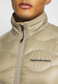 Peak Performance - HELIUM VEST - Väst - true beige - 4