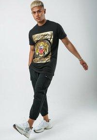 Ed Hardy - TILE-ROAR T-SHIRT - T-shirt print - black - 1
