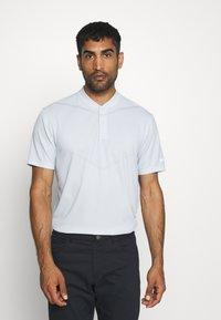 Nike Golf - BLADE - Triko spotiskem - white/gym red/white - 0