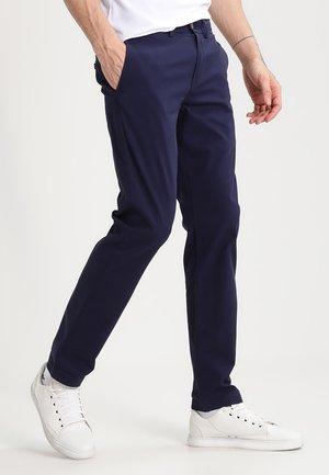 Chinot - navy blazer