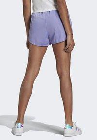 adidas Originals - Shorts - light purple - 1