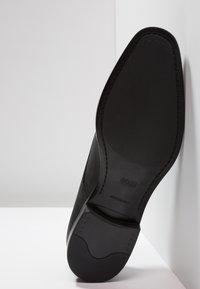 BOSS - KENSINGTON - Elegantní šněrovací boty - black - 4