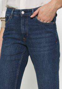 s.Oliver - LANG - Slim fit jeans - blue denim - 5