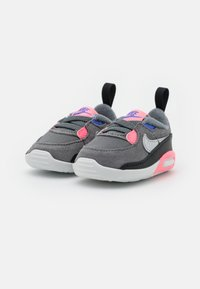 Nike Sportswear - MAX 90 CRIB - First shoes - smoke grey/metallic silver/sunset pulse - 1