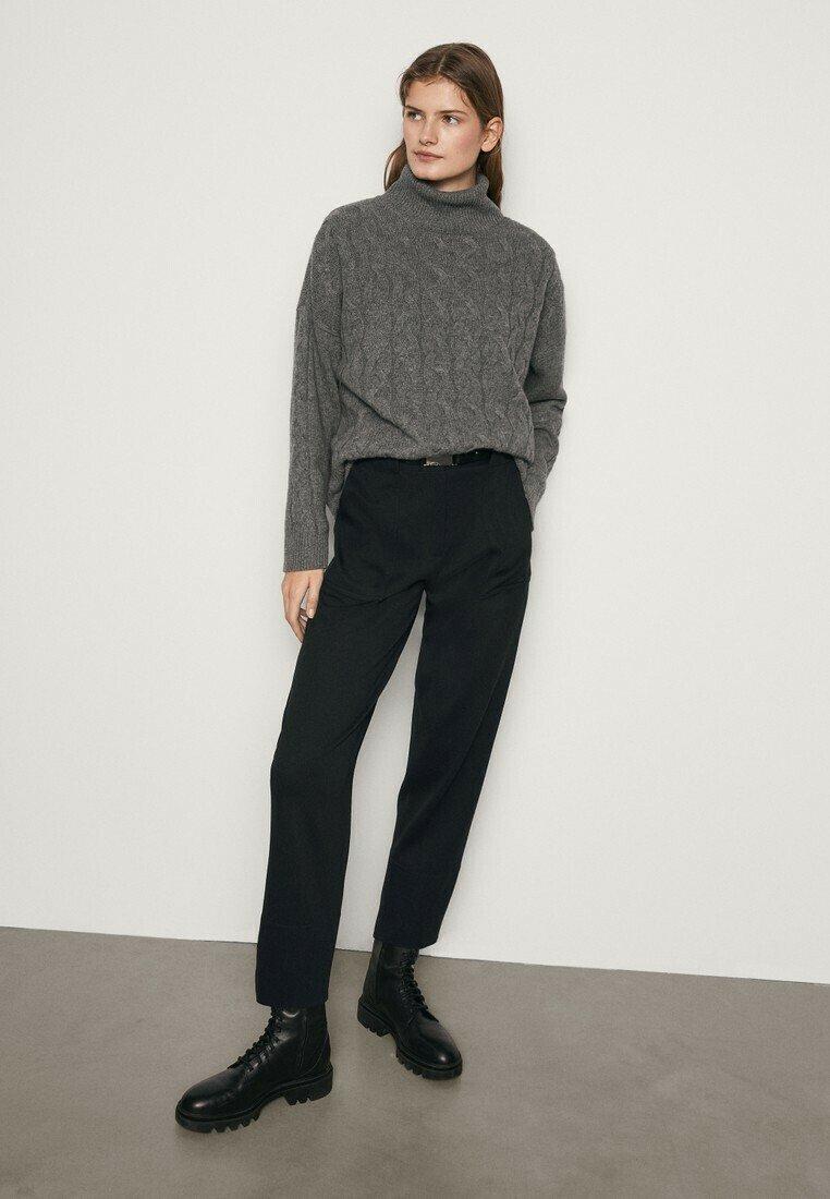 Massimo Dutti - MIT AUFGENÄHTER TASCHE  - Trousers - blue-black denim
