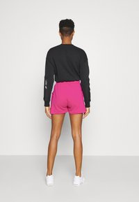 Nike Sportswear - AIR - Shorts - fireberry/(white) - 2