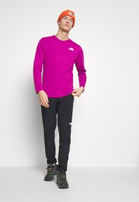 The North Face - MENS BOX TEE - T-shirt à manches longues - wild aster purple - 1