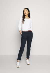 TOM TAILOR - BELTED SLIM - Chinos - sky captain blue - 1