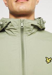 Lyle & Scott - ZIP THROUGH HOODED JACKET - Summer jacket - moss - 6