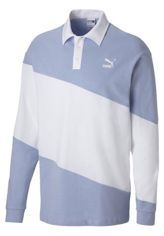 Polo - brunnera blue