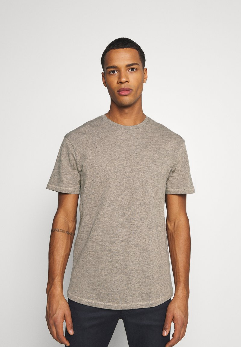 Jack & Jones - JORDARKNESS TEE CREW NECK - T-shirt basic - crockery