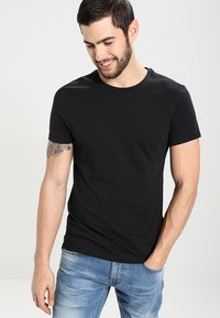 Pier One - 2 PACK - T-shirt basic - black - 1