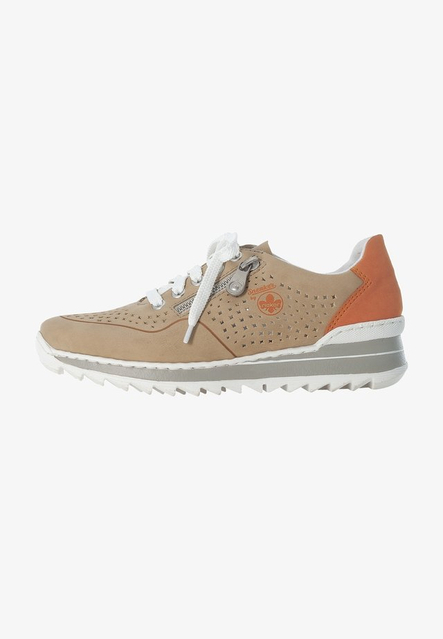M6905 - Baskets basses - sand orange