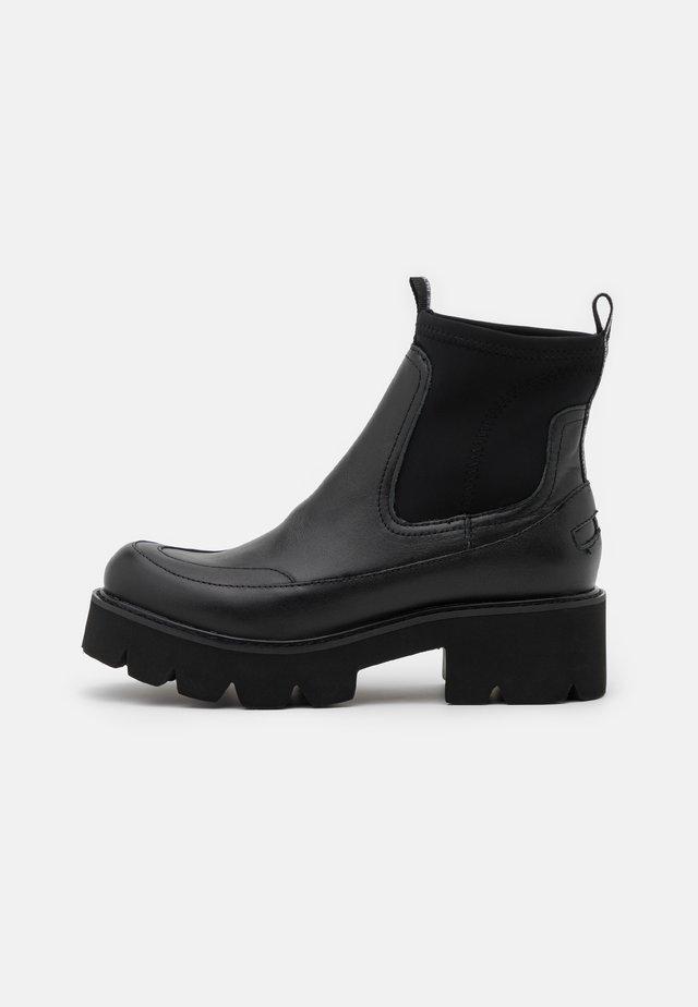 MILEY - Kotníkové boty na platformě - black