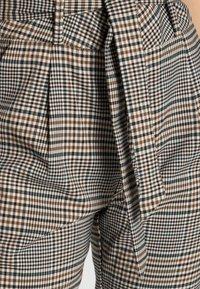 Vero Moda - VMEVA LOOSE PAPERBAG PANT  - Trousers - tobacco brown checks black/ white/ green - 4