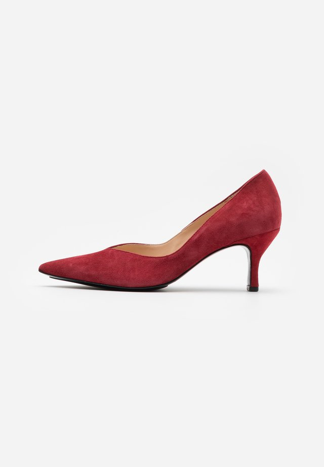 Klassiske pumps - cherry