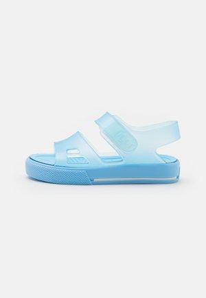MALIBU - Sandały kąpielowe - celeste