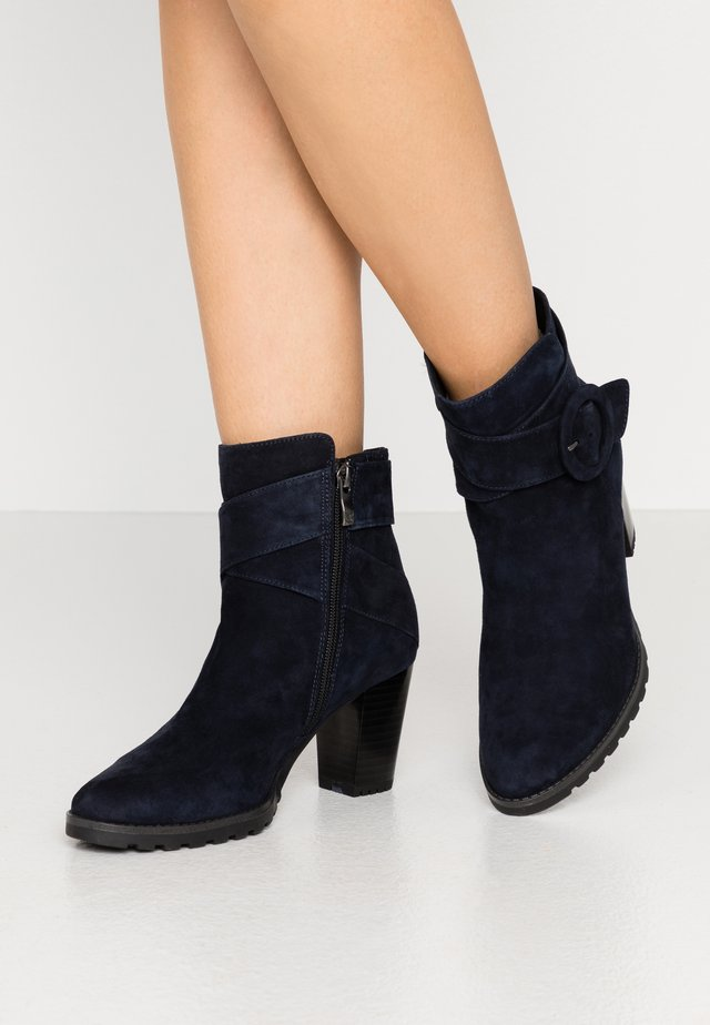 Classic ankle boots - ocean