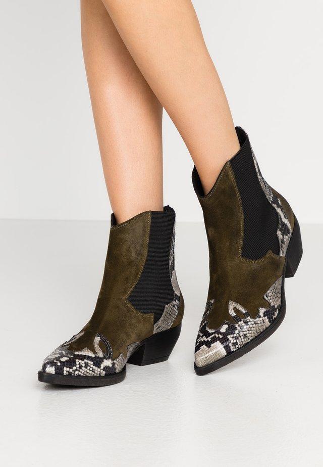 SOFY - Cowboy/biker ankle boot - verde\roccia