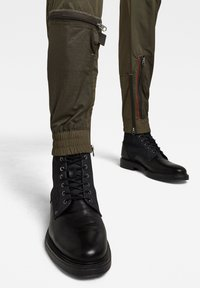 G-Star - PM CB RELAXED CUFFED TRAINER - Trousers - combat - 2