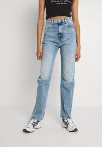 Tommy Jeans - JULIE - Straight leg jeans - denim light - 0