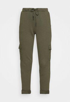 COO DYE PANTS - Tracksuit bottoms - khaki green