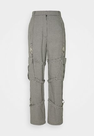 HOUNDSTOOTH COMBATS STRAPPED POCKETS - Pantalones - black/white
