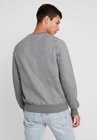 Best Company - CREW NECK - Sweatshirt - grey melange - 2