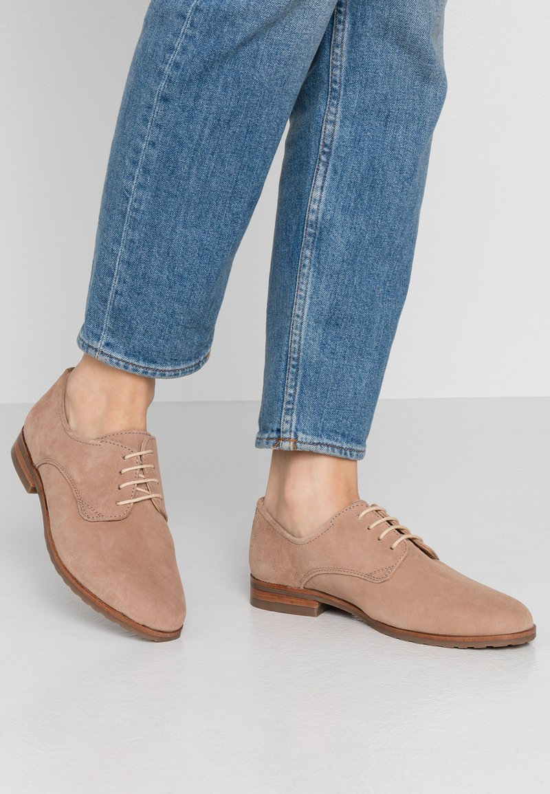 Pier One Wide Fit - Lace-ups - nude