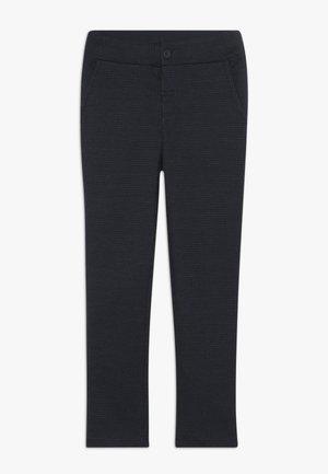 NKMSAFISK PANT - Teplákové kalhoty - dark sapphire/black