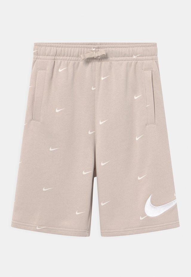 Shorts - desert sand/white