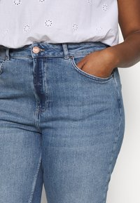 Simply Be - RAW HEM CROP WIDE LEG JEANS - Jeans Skinny Fit - bluewash - 5