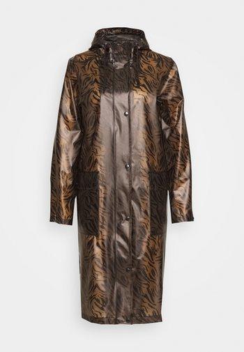 TRUE RAINCOAT - Classic coat - walnut