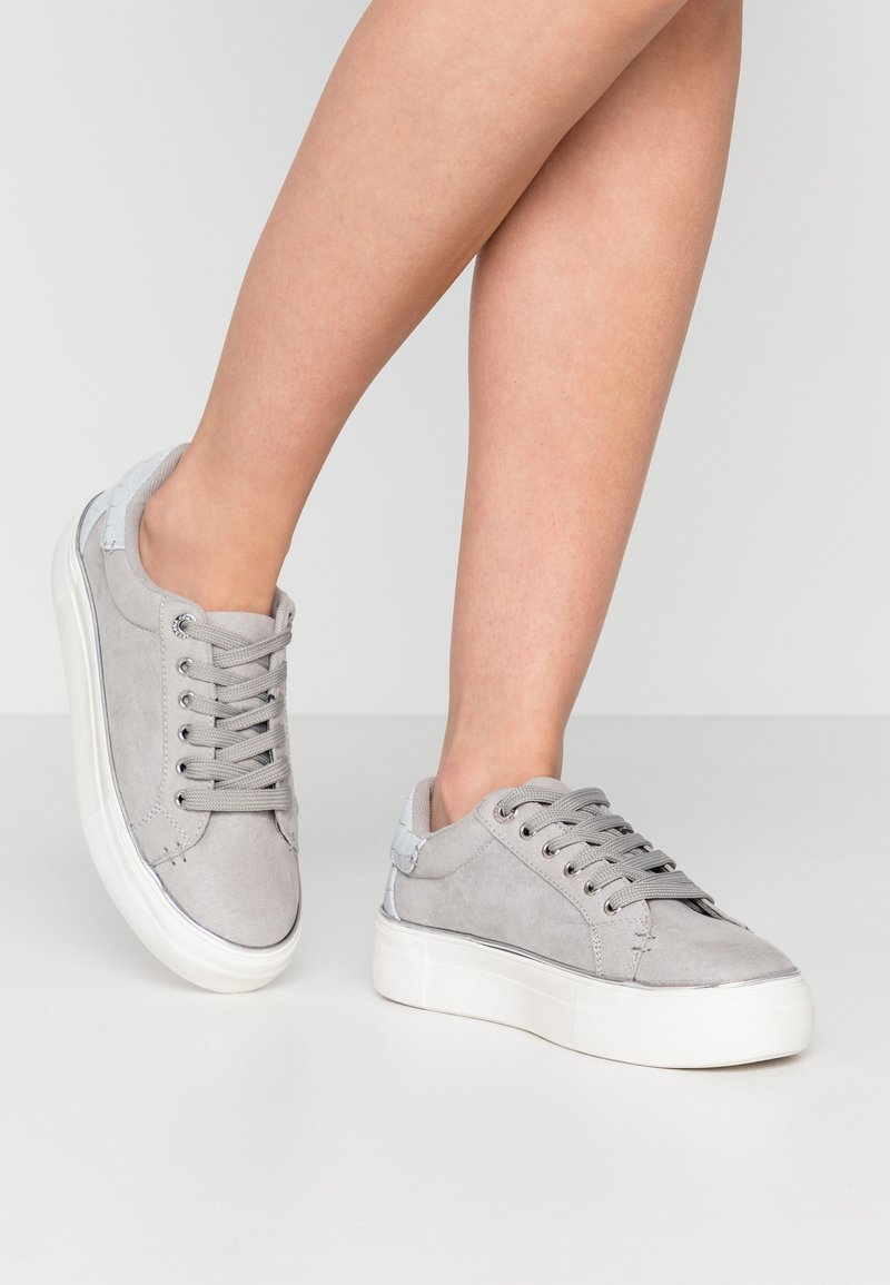 Topshop - CLOVER LACE UP TRAINER - Trainers - grey
