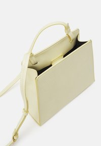Who What Wear - JEANIE - Across body bag - french vanilla - 3