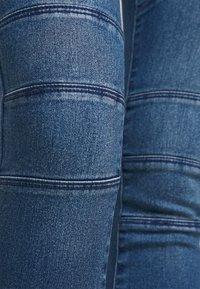 Vero Moda Petite - VMSOPHIA BIKER - Skinny džíny - dark blue denim - 4
