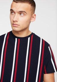 Topman - Print T-shirt - navy - 4