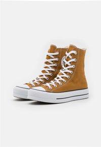 Converse - CHUCK TAYLOR ALL STAR LIFT - Zapatillas altas - dark soba/white/black - 3