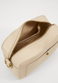 Madewell - TRANSPORT CAMERA BAGSOLID BEADED STRAP - Across body bag - vintage parchment - 2