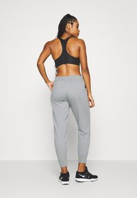 Nike Performance - DRY GET FIT  - Pantalones deportivos - carbon heather/smoke grey - 2