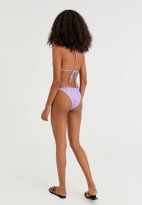 PULL&BEAR - MIT PRINT IN ROSA - Bikini top - purple - 2