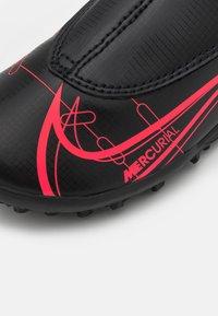 Nike Performance - MERCURIAL JR VAPOR 14 CLUB TF UNISEX - Astro turf trainers - black/cyber - 5
