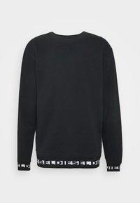 Diesel - UMLT-WILLY SWEAT-SHIRT - Sweatshirt - black - 3
