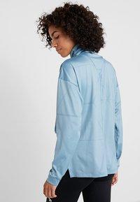 Salomon - ELEVATE AERO COZY - T-shirt à manches longues - smoke blue - 2