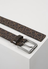 Calvin Klein - SEASONAL MONO BELT - Pásek - brown - 2