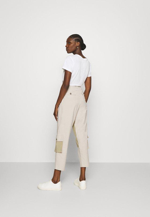 Pantalon classique - desert