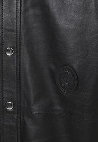 Trussardi - PANELLED ORION SHINY - Košile - black - 2
