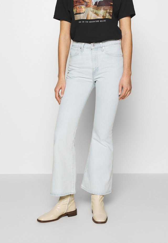 HIGH RISE FLARE - Flared jeans - freshies
