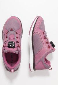 Viking - SEIM BOA GTX - Løbesko walking - dark pink/violet - 0